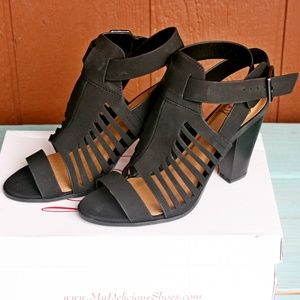 Delicious Yummy Heeled Sandals Black Size 8.5